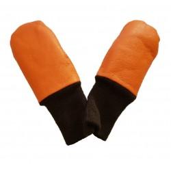 Lasten oranssi nahkarukkanen resorilla